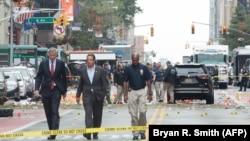 Губернатор штата Нью-Йорк Эндрю Куомо и мэр города Билл ди Блазио на месте происшествия