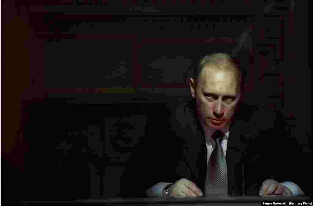 Портрет Владимира Путина, 2003. Фотограф говорит, что эта фотография –самая знаменитая
