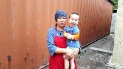 Фельдшер-вдова с четырьмя детьми живет в железном контейнере без отопления