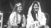 Девушки в праздничных нарядах. Бахчисарай, 1920-е<br /> <br /> Крымские татарки сплетали волосы в тонкие косички. На голову надевали бархатную шапочку, вышитую золотом или серебром, иногда украшенную мелкими монетами