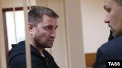 Юрий Чабуев в зале суда