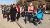 В Казахстане многодетные матери снова пикетируют правительство