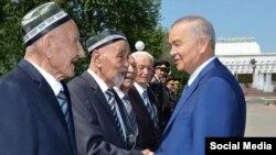 Президент Узбекистана Ислам Каримов во время поездки по стране, фото Uzmuz.TV