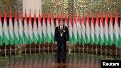 В случае принятия предложенных поправок в конституцию страны, Эмомали Рахмон получит право быть президентом Таджикистана до конца своей жизни