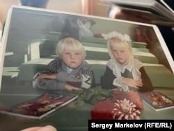 Матвей в детстве с сестрой Анной