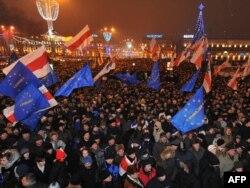 Митинг в центре Минска после президентских выборов 19 декабря 2010 года. Фото: AFP/ Виктор Драчев