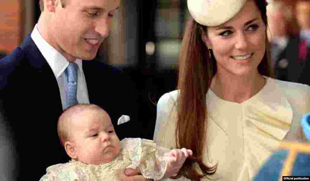 Принц Уильям с женой Кейт, герцогиней Кембриджской и принцем Джорджем в Новой Зеландии, апрель 2014 года