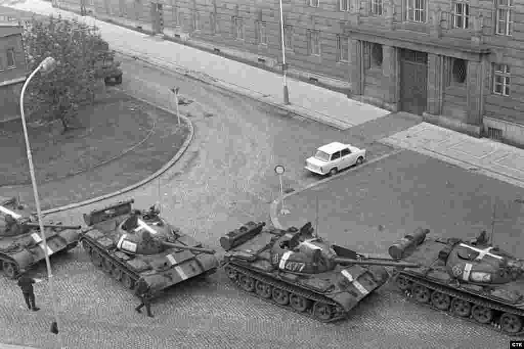 """Операция по вторжению была названа """"Дунай"""". В 22 часа 15 минут20 августав войска поступил сигнал """"Влтава-666"""" - он сообщил о начале операции"""