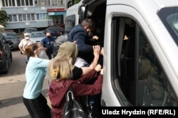 Люди в штатском жестоко задержали Павла Северинца, который возвращался с пикета. 7 июня