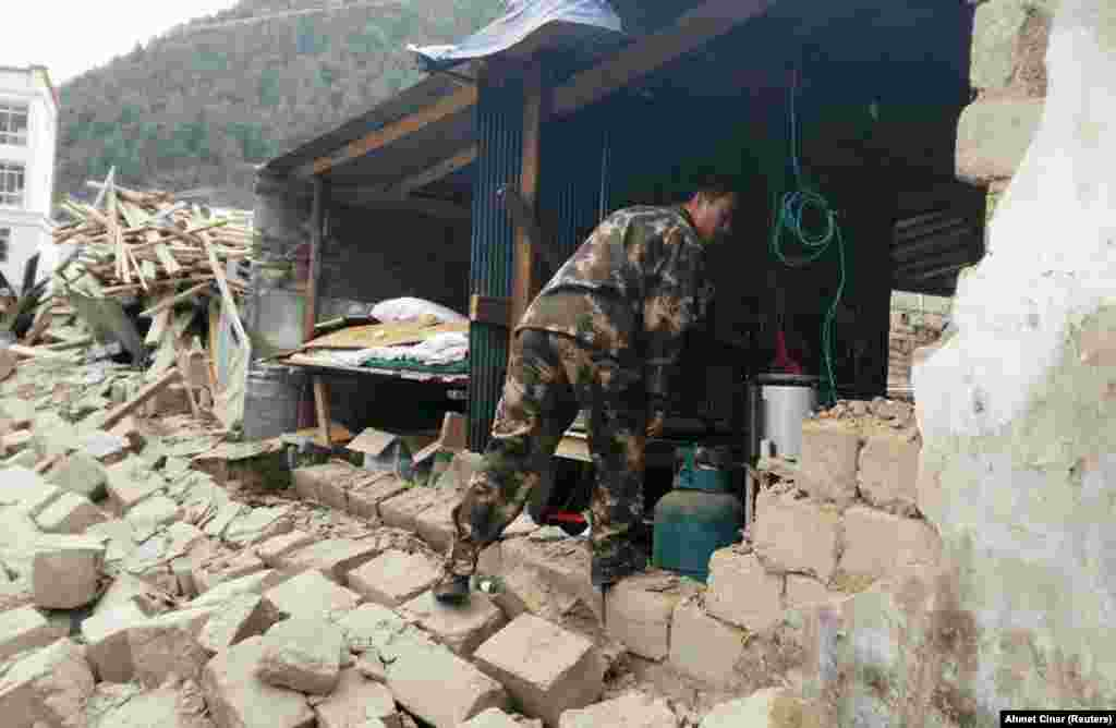 Разрушенный Катманду, Непал