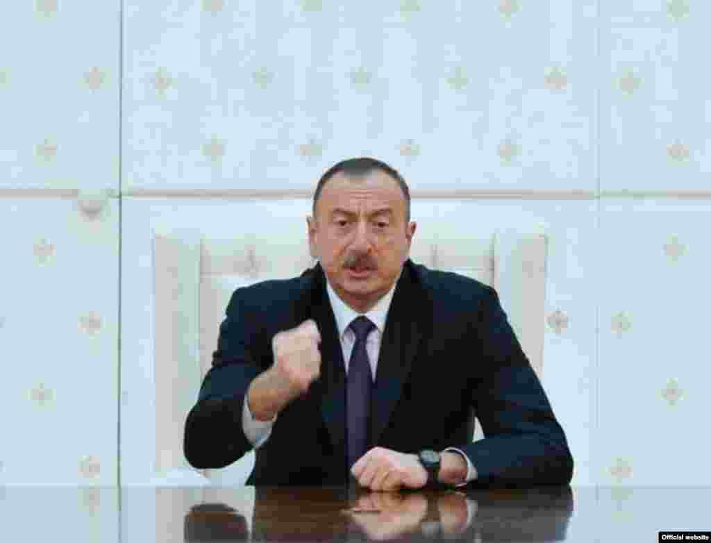 Президент Азербайджана Ильхам Алиев выступает на заседании Совета безопасности в Баку, 3 апреля 2016