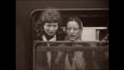 Поезд едет в Москву: путешествие в утопию. Редкие кадры СССР, снятые на видеопленку итальянским коммунистом