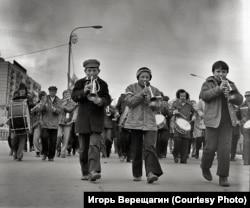 Парад в Братске. 1960-е годы.