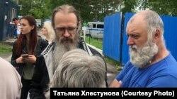 Андрей Винарский (в центре)