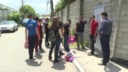 В Алматы люди ищут родных, задержанных во время акций протеста