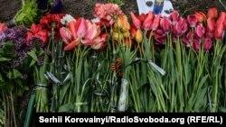 У Дома профсоюзов в Одессе, 2 мая 2015