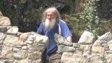 """Пенсионер 30 лет строил замок по технологии """"как в старину"""""""