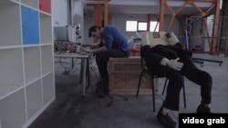 """Кадр из фильма """"Признаки жизни"""""""