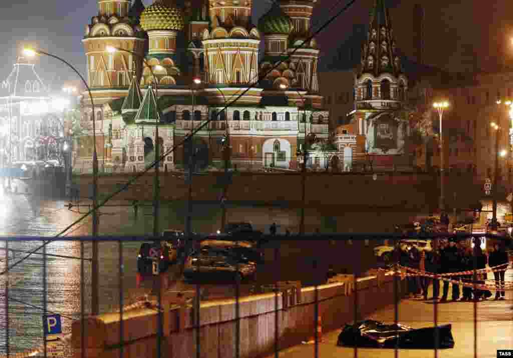 Ночью 28 февраля 2015 года, Борис Немцов убит в центре Москвы шестью выстрелами в спину