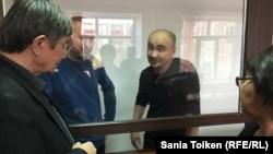 Макс Бокаев и Талгат Аян с адвокатами