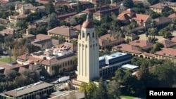 Башня Гувера и вид на Стэнфордский университет