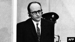 Адольф Эйхман в суде в Иерусалиме, 1961 год