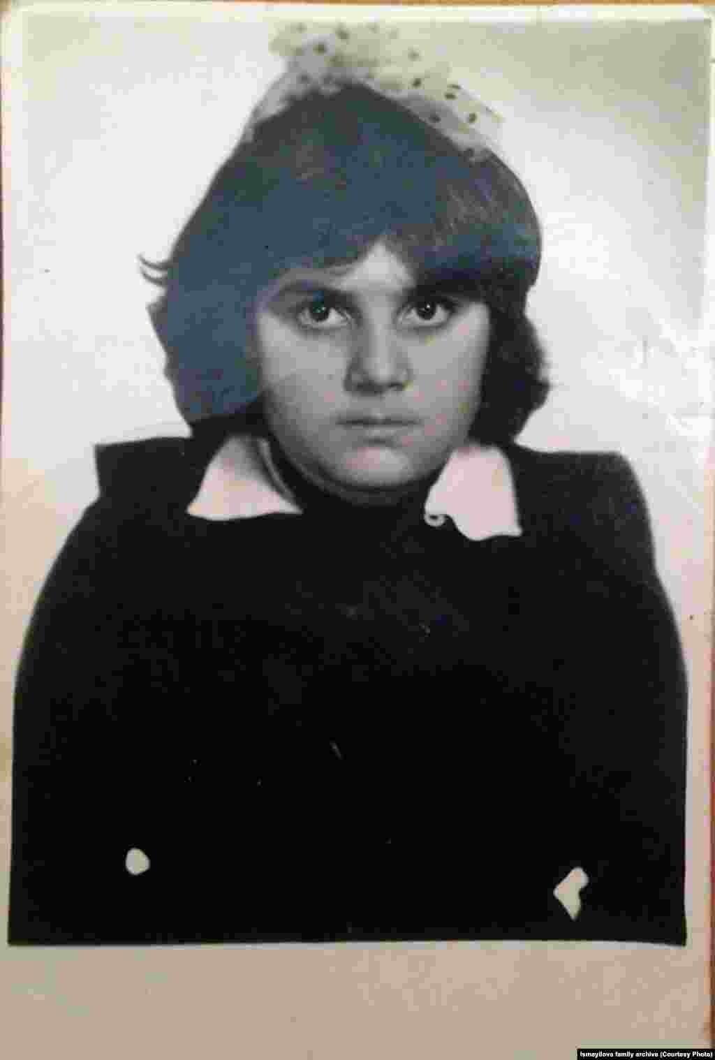 В 2014 году Хадиджа писала, что через оффшорные компании две дочери Алиева контролируют один из главных телекоммуникационных операторов страны - Azercell.