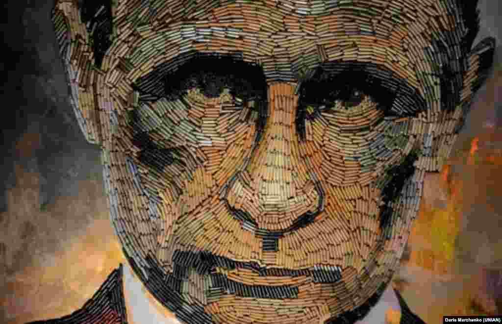 Украинская художница Дарья Марченко сделала портрет Путина из гильз в знак протеста против событий, происходящих на востоке Украины