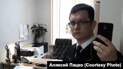 Пацко в своем кабинете в суде