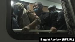 Переселенцы в поезде