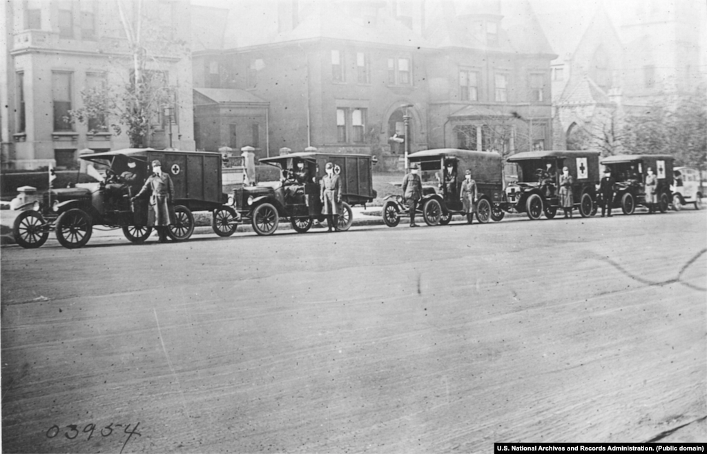 Автобригады Красного Креста в Сент-Луисе в 1918 году