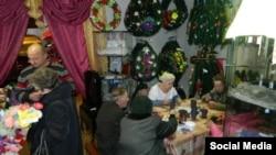 Акция для пенсионеров в похоронном доме ХЭЛП в Екатеринбурге, фото издания Е1