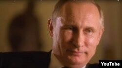 """Кадр из фильма """"Интервью Путина"""""""