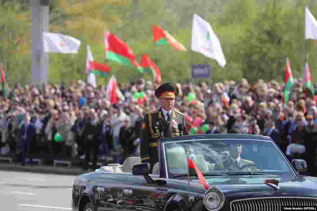 Президенту рапортовал замминистра обороны Беларуси Сергей Потапенко