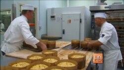 В итальянской тюрьме заключенные пекут пироги