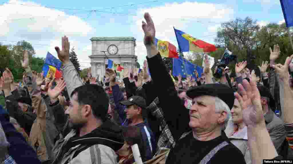 Антиправительственный митинг в Кишиневе 3 мая 2015 года