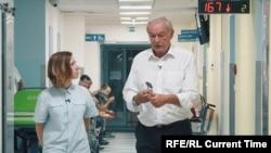 Мария Антоненко с Пржемыславом Соботкой в больнице в Либереце
