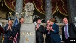 Открытие бюста Вацлава Гавела в Капитолии в США в 2014 году