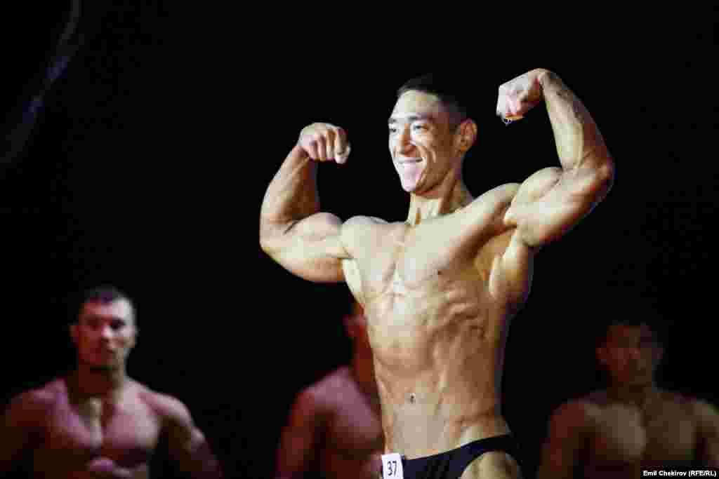 Чемпионом в весе до 75 килограммов признан 23-летний бишкекчанин Марат уулу Мирбек