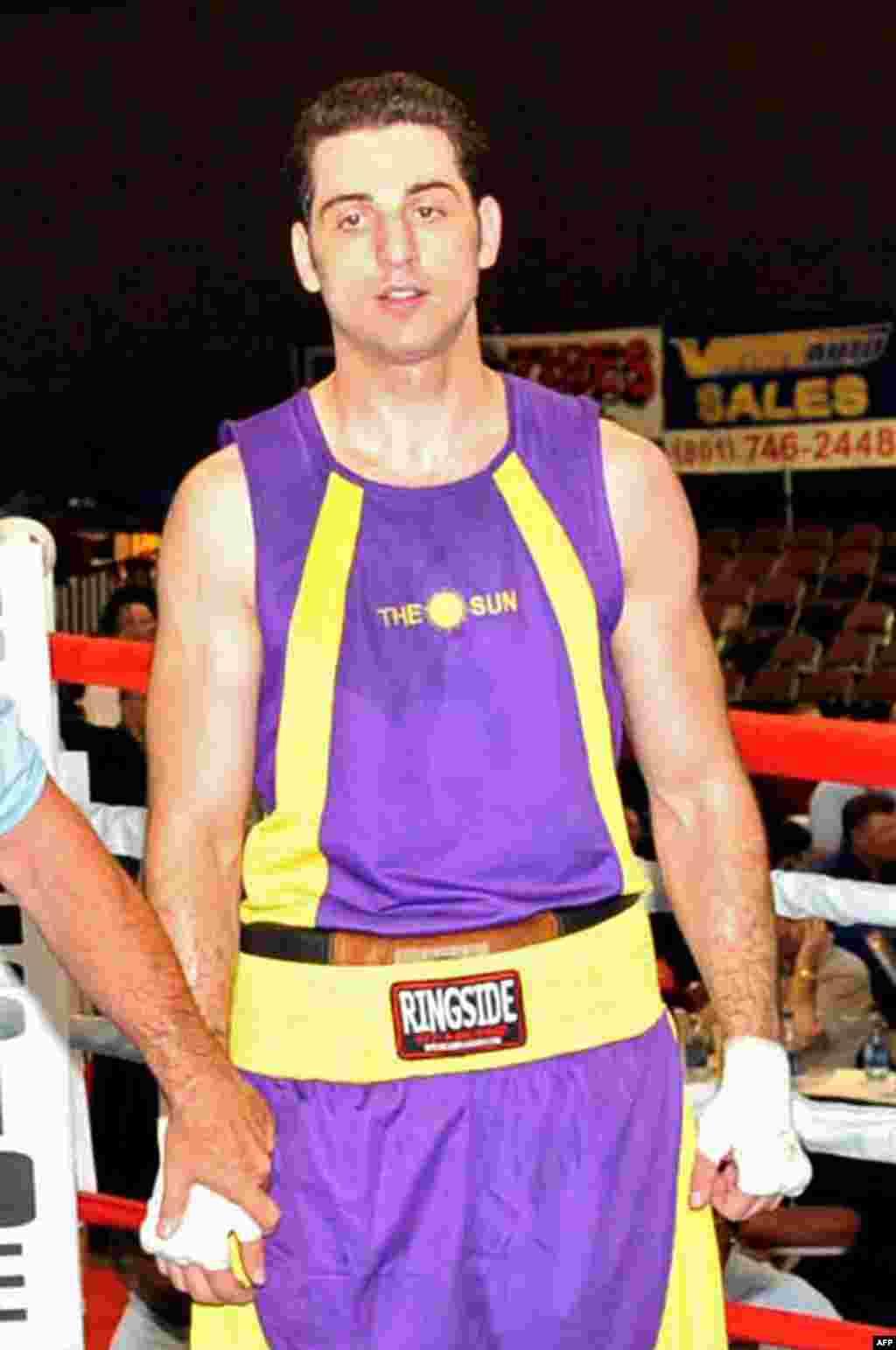 Тамерлан Царнаев ждет решения после боксерского поединка в Солт-Лейк-Сити, штат Юта, 2009 год.