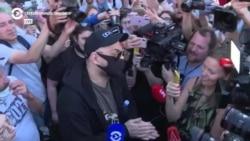 """""""Я не доволен, я не счастлив"""". Кирилл Серебренников – после выхода из здания суда"""