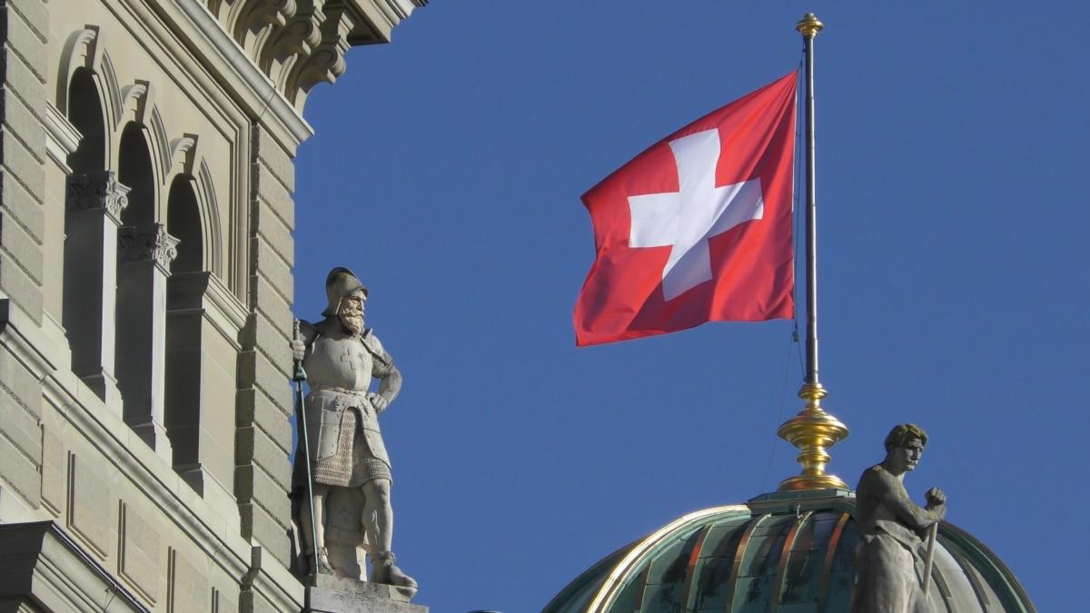 Почему в Швейцарии каждый год избирают нового президента и каждые три месяца проводят референдум