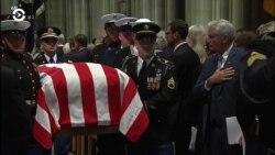 Америка: большие похороны и принц под подозрением