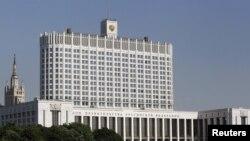 """Здание правительства """"Белый дом"""" в Москве"""