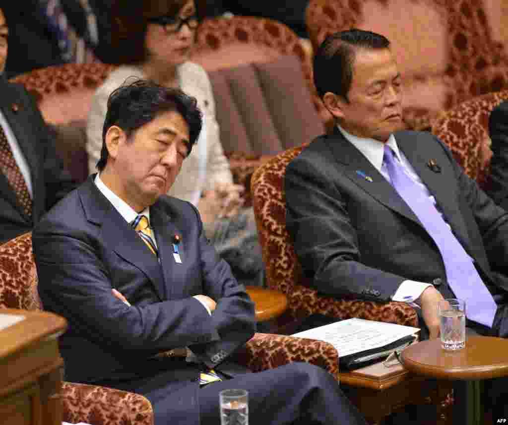 Японскому премьер-министру Шинзо Абе очень интересно на заседании по распределению бюджетных средств