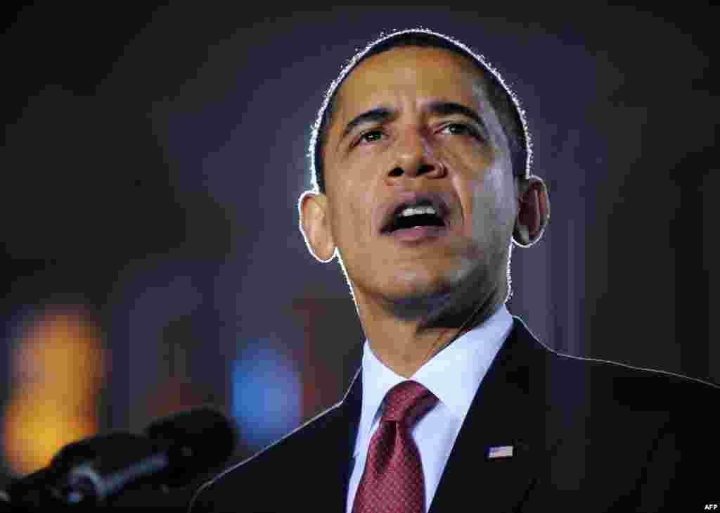 """Выступая на военной базе в Северной Каролине 27 февраля 2009 года Обама назвал дату окончания боевых действий США в Ираке – 31 августа 2010 года. Его преемник Дональд Трамп утверждал, что вывод американский войск создал в Ираке условия, которые привели к возникновению террористической группировки """"Исламское государство"""" (ИГ)."""