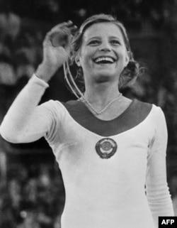 Ольга Корбут с золотой олимпийской медалью на Олимпиаде в Мюнхене. 1972