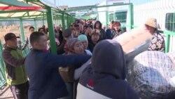 Демократические выборы или безопасность: почему на кыргызско-казахской границе все еще не пропускают людей