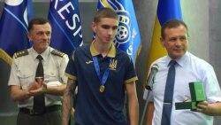 Сын погибшего украинского летчика посвятил отцу золотую медаль чемпиона мира по футболу