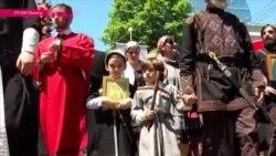 """""""Семья – это маленькая церковь"""": по Тбилиси прошли маршем сторонники традиционных ценностей"""